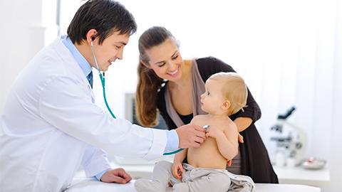 Guía de preguntas para tu primera visita al pediatra